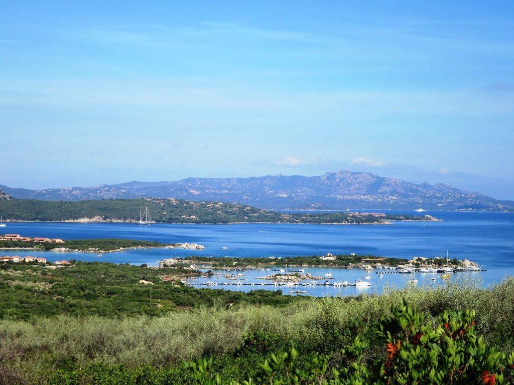 la costa smeralda célèbre en sardaigne