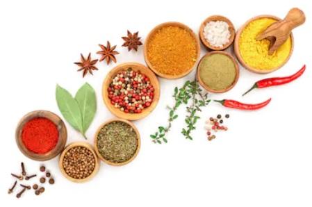 les bienfaits des épices et herbes aromatiques